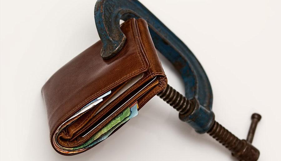 Een klem om een portemonnee
